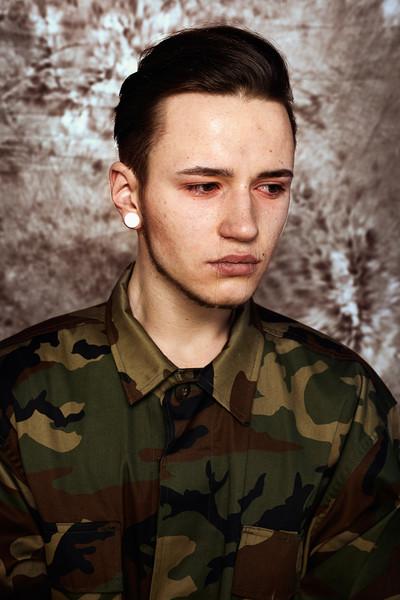 huilende militair 1